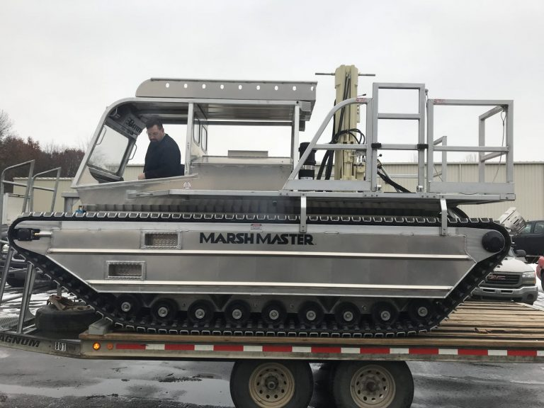 Marsh Master amphibious track rig for wetland drilling