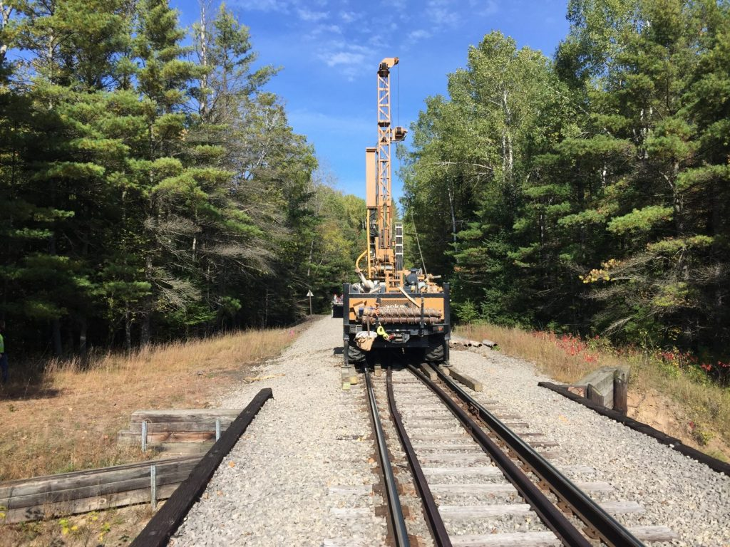getotechnical drilling equipment on train tracks